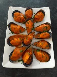 Mejillones con salsa